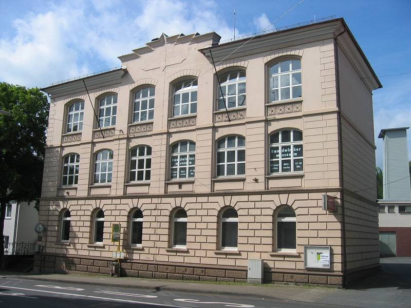 k-RoStrRemscheider50Bandwirkerfachschule20050522a
